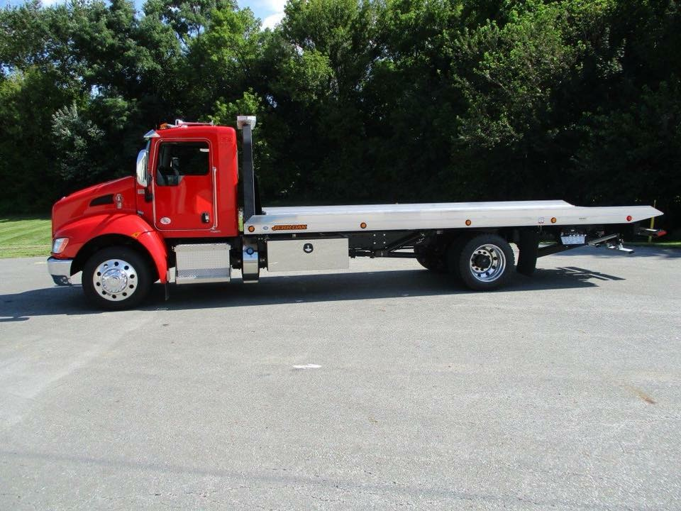 Nashville Tow Truck - Towing Service l Tow Truck Towing l Winch Outs